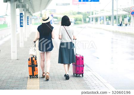 女孩之旅機場巴士站 32060196