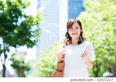 事業女性 商務女性 商界女性 32072227