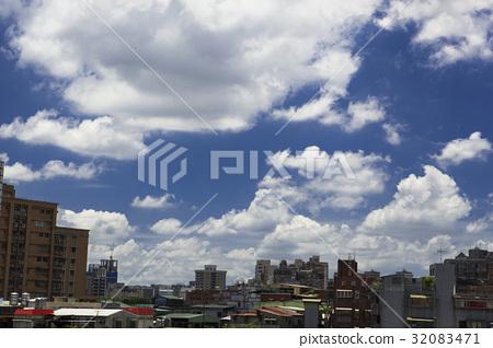 藍天白雲,城市,Blue sky, white clouds,青い空と白い雲 32083471