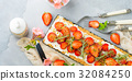 cake strawberry fruit 32084250
