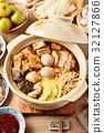 Spicy hot pot 32127866