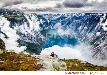 Beautiful norwegian landscape with mountains  32155077