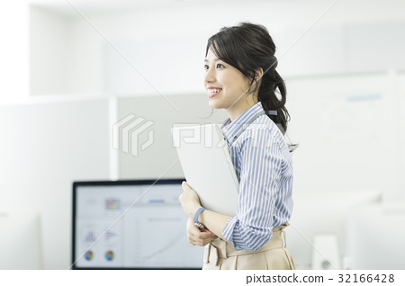 Business woman 32166428