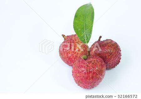 Fresh lychees 32166572