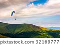 Skydiving, parasailing, mountain 32169777