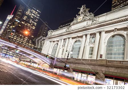 Grand Central Terminal facade from Park Avenue 32173302