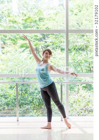 芭蕾舞演員 32179102