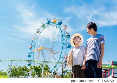 amusement park 32180732
