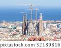 사그라 다 파밀리아와 바르셀로나의 거리 풍경 32189816