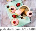 ice, cream, strawberry 32193480