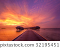 Sunset at Maldivian beach 32195451