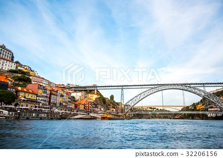 volt, porto, portugal 32206156