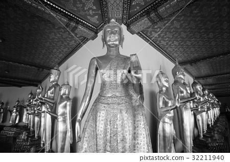 Buddha statue, Black and white 32211940