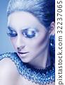 Winter makeup 32237065