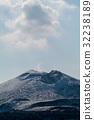 冠雪の伊豆大島三原山 32238189