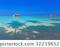 Tropical Maldives island 32239652