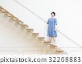 成熟的女人 一個年輕成年女性 女生 32268883