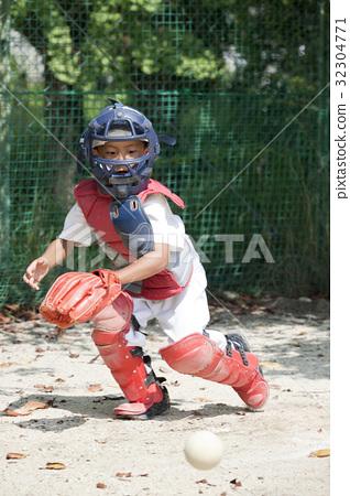 少年棒球的防守練習 32304771