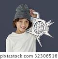 boy, holding, papercraft 32306516