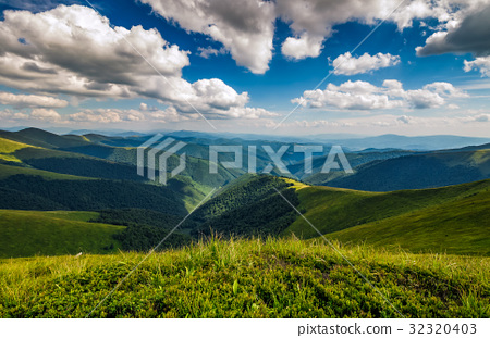 hillside meadow in mountain 32320403