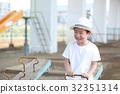 孩子們在玩蹺蹺板 32351314