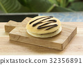 Red bean filling Dorayaki Pan cake 32356891