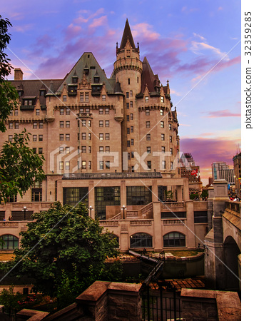 Fairmont Chateau Laurier evening view in Ottawa 32359285