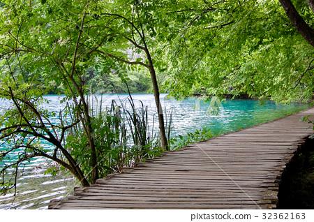 Plitvice Lakes National Park 32362163