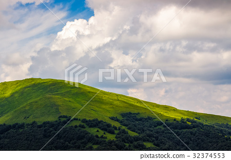 beautiful summer landscape in mountains 32374553