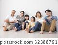 3代家庭和狗 32388791