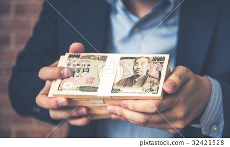 錢 32421528