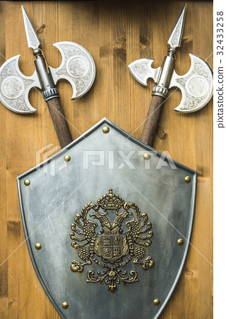 Replica of the spear and shield of the Middle Ages 32433258
