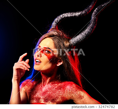 Mad satan woman aggressive cry in hell . Witch 32474782