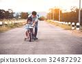 自行车 脚踏车 爸爸 32487292