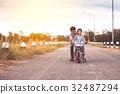 自行车 脚踏车 爸爸 32487294