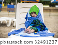 little, girl, towel 32491237