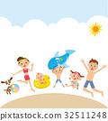 해변에서 노는 가족 32511248