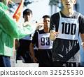 馬拉松賽跑 奔跑 運動員所穿的帶有號碼或標誌的布條 32525530