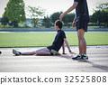 marathon runner, marathon, stretching 32525808