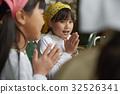 小學生 女孩 年輕的女孩 32526341