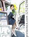 司機座位的廚房車婦女 32528298