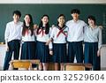 高中學生在教室裡 32529604