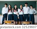 高中學生在教室裡 32529607