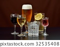 Image of alcoholic drink. Caution) Transparent liquid is water. Red wine, white wine, beer, shochu, highball. 32535408