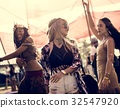 dancing, event, friends 32547920