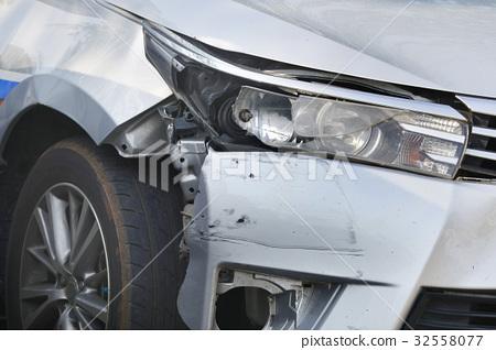 Car crash background 32558077