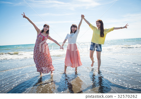女人之旅南島度假村的女性3人 32570262