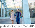 Romantic couple in Paris 32570405
