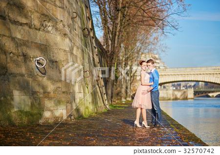 Romantic couple in Paris, France 32570742