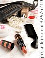 Cosmetic bag  32576219